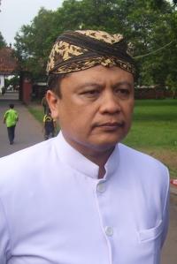 Sultan Sepuh ke-XIV Keraton Kasepuhan PRA Arief Natadiningrat.