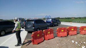 Pemberlakuan contraflow di tol Cipali KM 187.